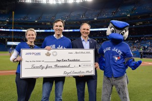 In recognition of the charitable efforts of the Toronto Blue Jays in producing social change for children and youth, the Royal Canadian Mint proudly donated $25,000 to Jays Care Foundation.‎ From left: Royal Canadian Mint CEO Sandra Hanington, Minister of Finance Bill Morneau and Robert Witchel, Executive Director of Jays Care Foundation.